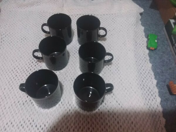 6 Tablemates black triad coffee Cups
