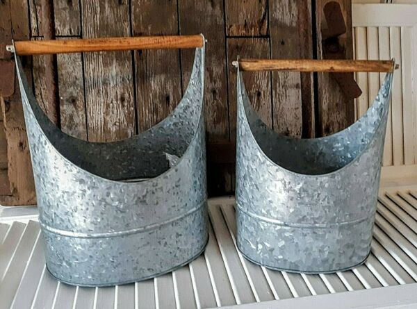 NWT Set of 2 galvanized farmhouse country style basket with wood handle $10.49