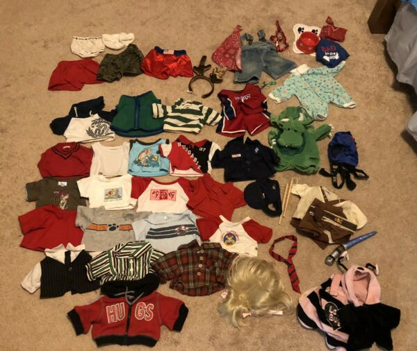 BUILD A BEAR CLOTHING LOT. COSTUMES AND ACCESSORIES. READ DESCRIPTION $40.00
