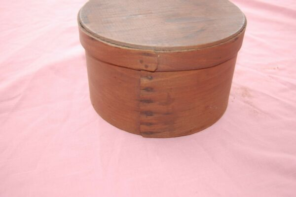 Antique Round Brown WOOD PANTRY BOX with Cover 7 1 2quot; Diameter