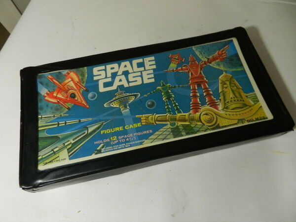 VINTAGE TARA TOY CORP. SPACE CASE VINTAGE SPACE TOY CARRIER TOY ROBOT SPACE $35.00