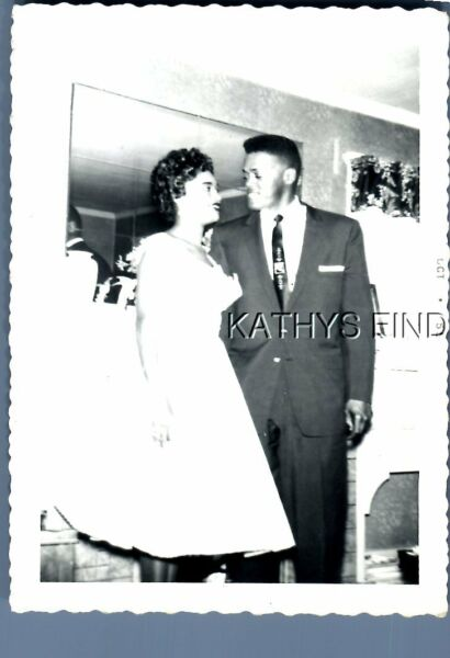 FOUND Bamp;W PHOTO H7080 BLACK MAN IN SUIT POSED WITH WOMAN IN DRESS