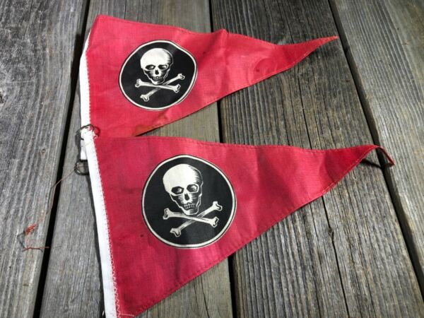 MUSCLE BIKE BICYCLE POST FLAG PIRATE FLAG VINTAGE BIKE BICYCLE ACCESSORY NOS $29.99