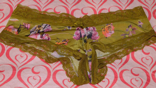 NEW Victoria#x27;s Secret Very Sexy Cheeky Panty Floral Print Lace Satin Large L VS