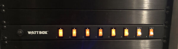 Wattbox WB 100 RSW 8 Indidually Switched On Off Rack Mount Power Strip e640 $79.00