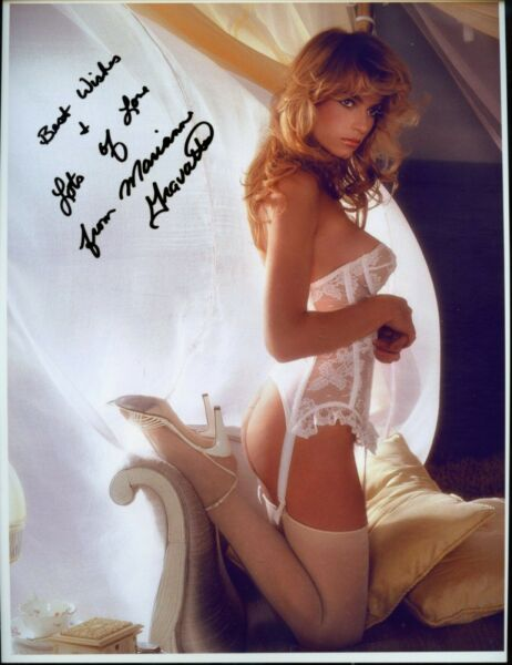 SEXY BEAUTIFUL Playmate Of The Year MARIANNE GRAVATTE Photo HAND SIGNED