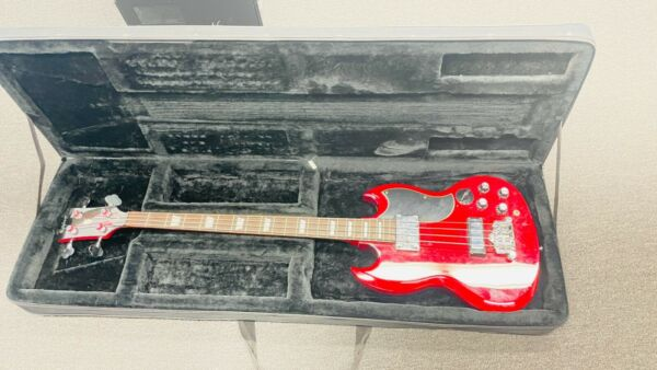 Epiphone EB 3 Cherry Red Electric 4 String Bass Guitar Solid Boy Neck Through