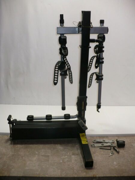 NO SHIPPING THULE HITCH MOUNT BIKE RACK HOLDS 4 BIKES IN GREAT USED CONDITION $249.95