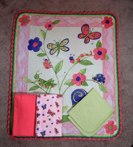 NURSERY CRIB QUILT/SHEET SET- BUTTERFLIES & DRAGONFLIES - PEACH & LIME COLORS