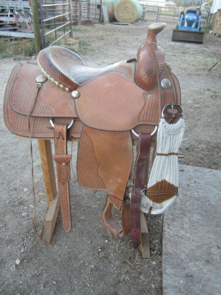 CRATES SADDLE Mike Beers Roper calf roping tree 15.5