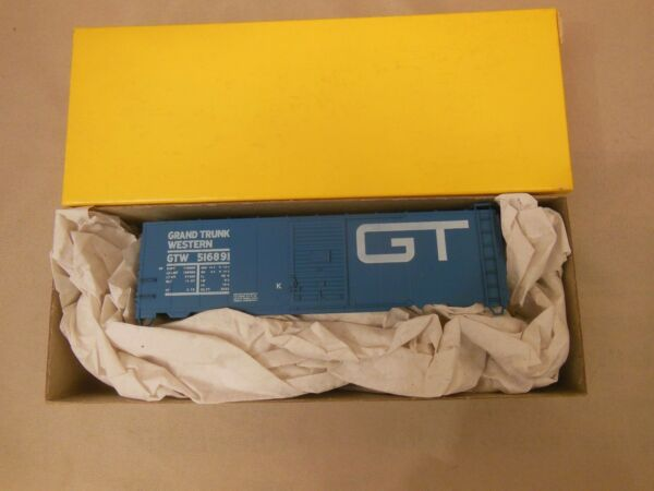 HO SCALE ACCURAIL GT GRAND TRUNK AAR 40#x27; BOX CAR KIT $15.99
