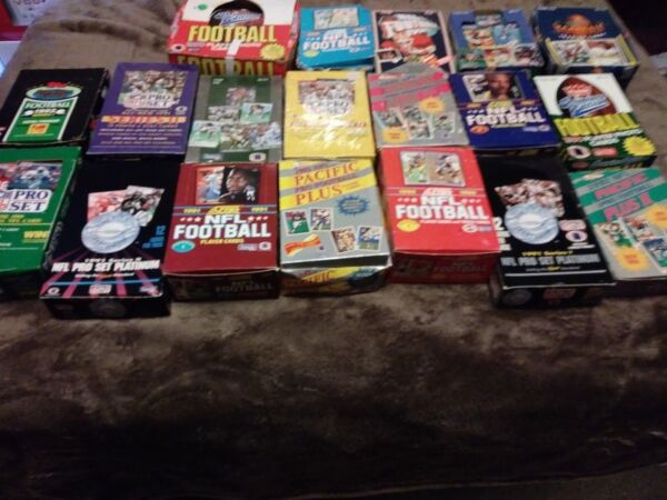 (100) Football Cards in Sealed Packs 20+ years old and older