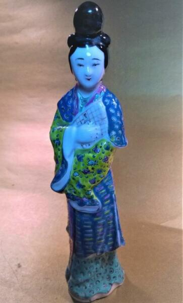 Antique Chinese Porcelain Figurines 8' Famille Rose Woman