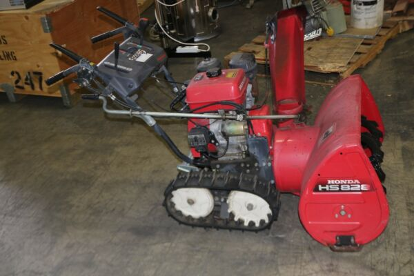 Honda Hydrostatic Track Snowblower Model HS828
