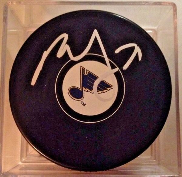 Paul Stastny Signed  Autographed St. Louis Blues  Puck With Case Winnipeg Jets