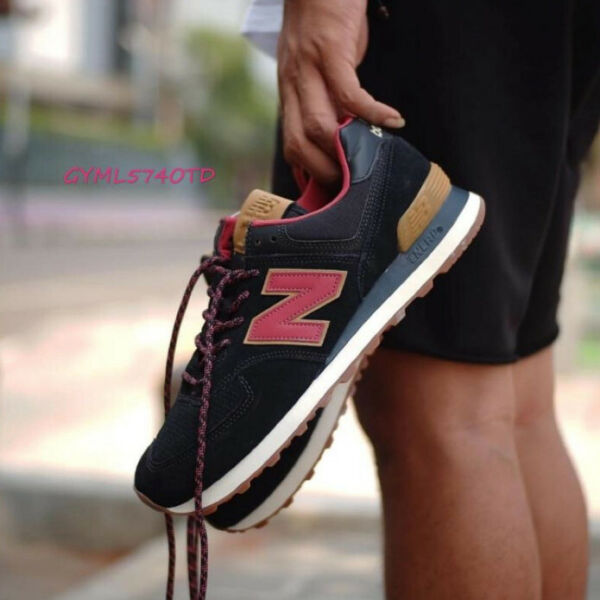 NIB  Men's New Balance ML574OTD Black/Earth Red  Life style sneakers