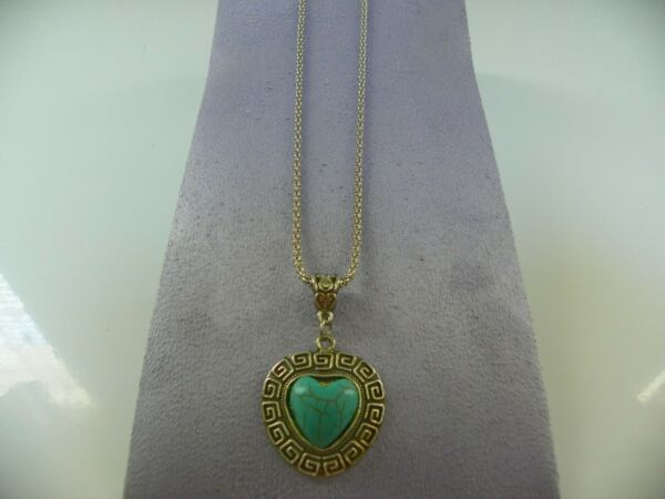 NEW SILVER PLATED CHAIN NECKLACE W HEARTH PENDANT AND TURQUOISE STONE IN MIDDLE