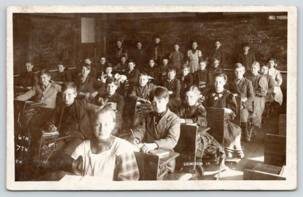 Denison Iowa~6th 7th Grade English Class Room~Find Your Uncle Dudley~1911 RPPC