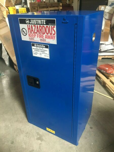 JUSTRITE 861528 Bench Top Corrosive Safety Cabinet 15 gal. Capacity
