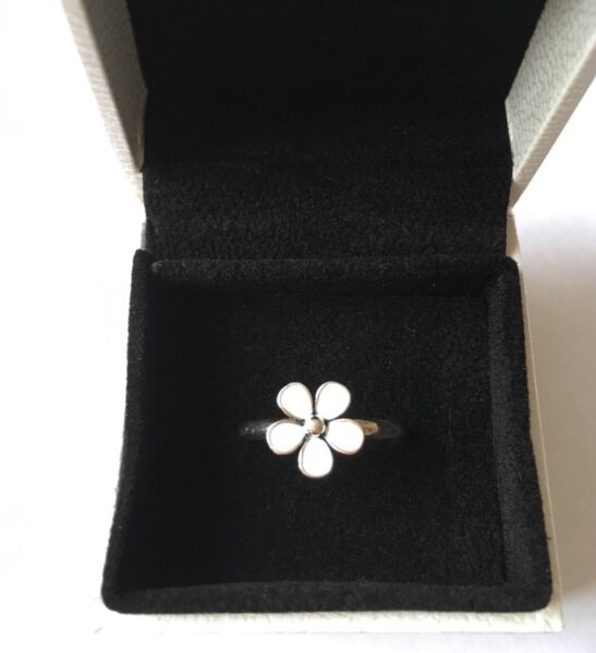 White Dazzling Daisy stacking ring size 58 in gift box S925