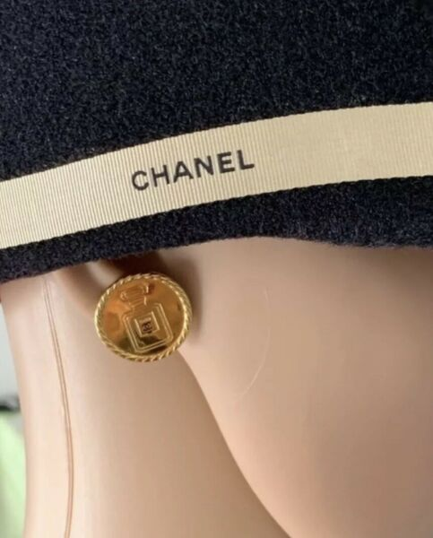 Authentic Vintage CHANEL # 5 Button Earrings Gold Plated Metal