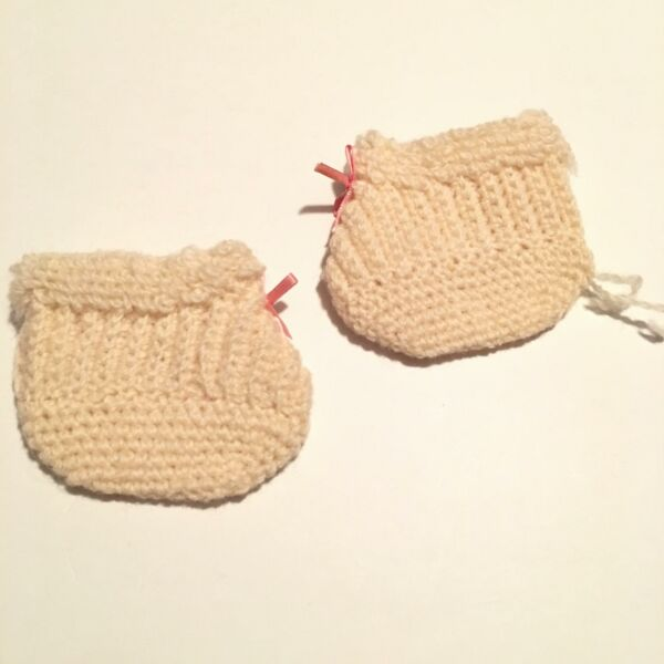 American Girl Doll Samantha Bedroom ivory Knit Slippers Historical (A31-11)