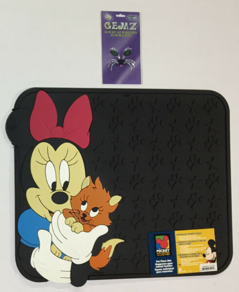 Minnie Mouse Pet Place Cat Accessories 2 Pieces Pet Bowl Mat and Decal $19.99