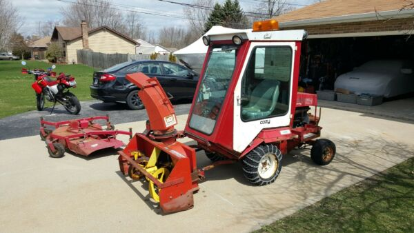 Toro Groundsmaster Diesel with Heated cab Snowblower and 72