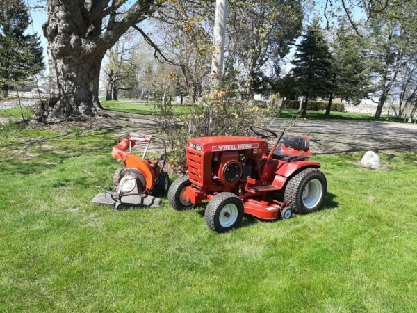 WHEEL HORSE 1973 Lawn Tractor Snowblower and Leaf Vacuum