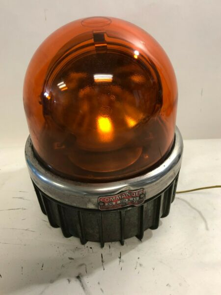 Vintage Federal Signal Corp. 371L Commander Series A2 Amber Rotating Light (R95