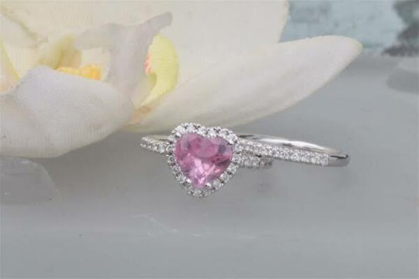 1.10 CT Heart Pink Sapphire 925 Silver Valentine Engagement Bridal Ring Set