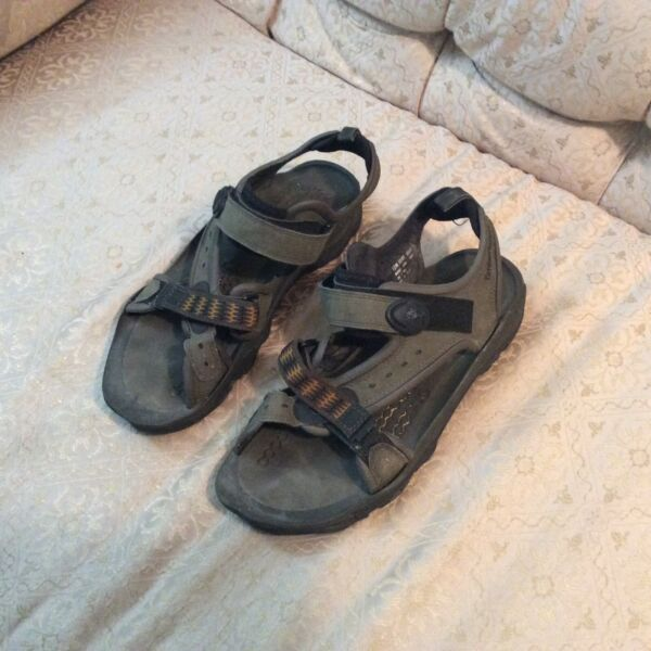 Timberland Sandals For Man Gray Size 12 M $34.99