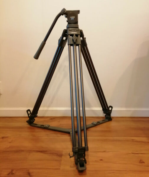 Libec T58 Professional Aluminum Tripod with H22 DV Fluid Head