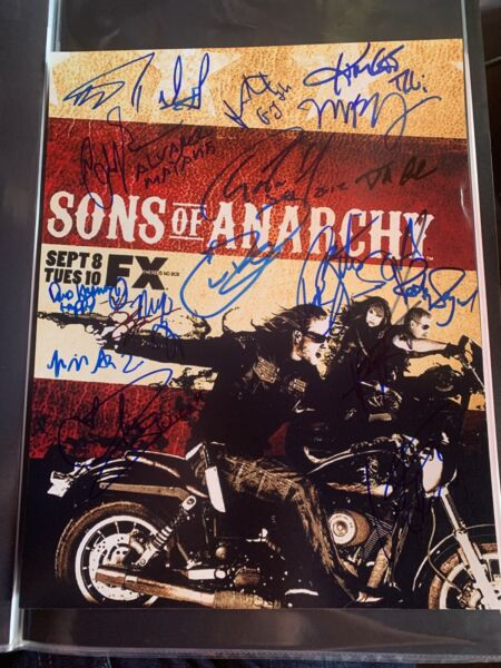 Sons of Anarchy Cast x17 Authentic Hand Signed 11x14 Photo Charlie Hunnam RACC