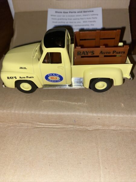 Matchbox Collectibles YRS04 M Dixie Gas Parts amp; Services 1957 Chevy 3100