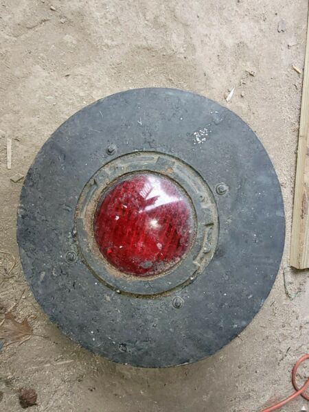 Vintage Railroad Signal Light red U.S. amp; S. Co. Cast Iron serious old signal