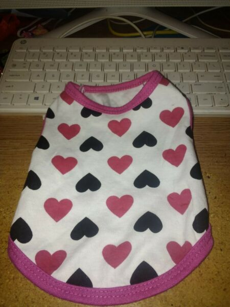 DROOLING DOG DOG TOP OR DRESS WITH PINK AND BLACK HEARTS SIZE XS $3.75
