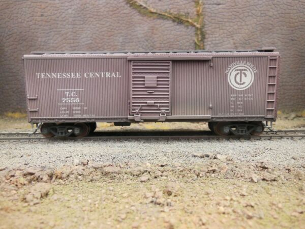 HO SCALE CUSTOM WEATHERED TENNESSEE CENTRAL WOOD SHEATHED BOX CAR $49.99