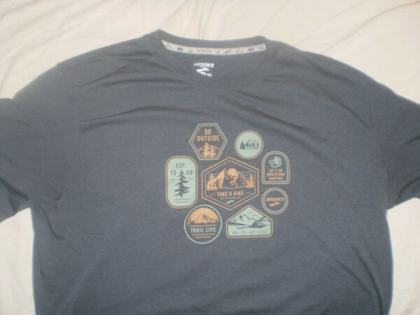 Brooks graphic tee by REI men#x27;s size XL $14.99