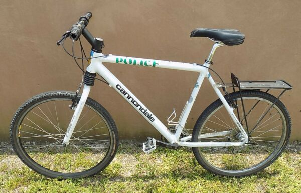 CANNONDALE ALUMINUM ALLOY MOUNTAIN BICYCLE WITH SHIMANO GEARS $295.00