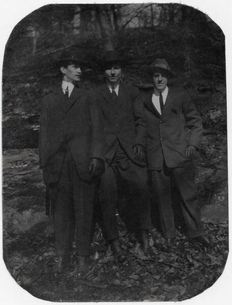 OLD PHOTO MEN WEARING SUITS IN WOODS WEARING SUITS HATS WISSAHICKON PARK PA 10S