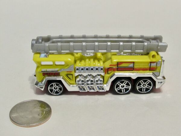 Hot Wheels Die Cast Fire Truck 5 ALARM No Box