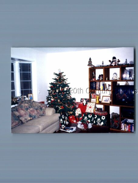 FOUND COLOR PHOTO L 3297 VIEW OF PRESENTS UNDER SMALL CHRISTMAS TREE $6.98