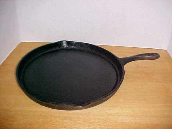 Vintage Wagner Ware Sidney Fat Free Fryer 1102 F Cast Iron Skillet Frying Pan