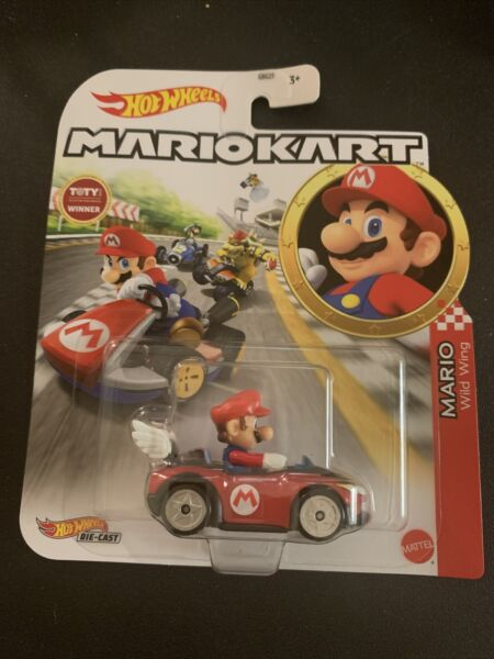 HOT WHEELS MARIO KART MARIO WILD WING KART DIE CAST IN HAND