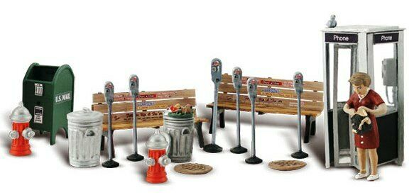 O Scale STREET ACCESSORIES Set contains 18 pieces. WOO A2764 $25.65