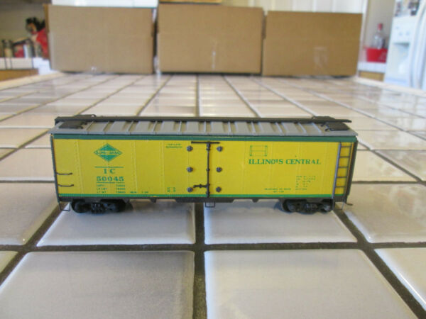 VINTAGE VERY OLD ILLINOIS CENTRAL WOOD METAL REEFER CAR HO SCALE $18.90