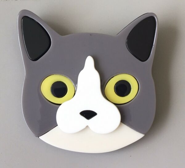 Unique Large Cat face Pin Brooch In acrylic $14.00