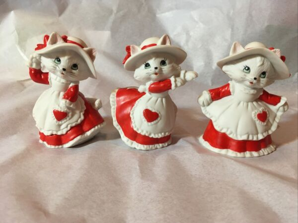 """3 Lefton Valentine White Cats in dresses with hats figurine #00164 """"1991"""""""