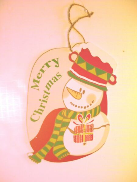WOOD MERRY CHRISTMAS SNOWMAN WITH PRESENT HOLIDAY DECORATION SIGN
